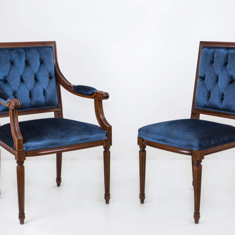Chairs & Armchairs